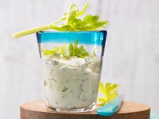 Apple and celery cream cheese with curry