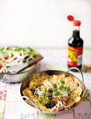 Wok omelette with bean sprouts and soy sauce (China)