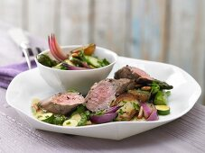 Fillet of lamb with garlic and roasted vegetables