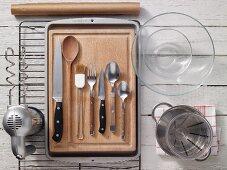 Kitchen utensils for preparing a yeast plait