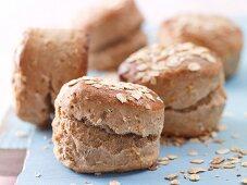 Porridge oat scones with yoghurt