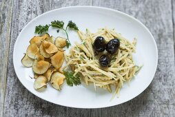 Jerusalem artichoke salad with yoghurt and Jerusalem artichoke chips