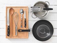 Kitchen utensils for making omelettes