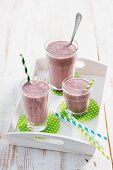 Avocado-Kirschen-Smoothies