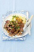 Chicken liver with onion, mushrooms, potato purée