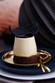 Pannacotta with a brownie base for New Year