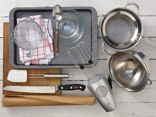Kitchen equipment for making a Charlotte royale with a champagne mousse