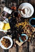 Zutaten für Dinkel-Amaretto-Früchtekuchen