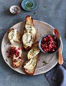 Goat's cheese with beetroot tartare on nut bread