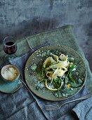 Black salsify aglio e olio with 'barba dei frati' and pecorino (low carb)