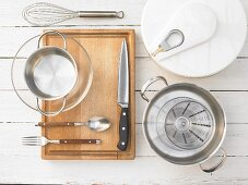 Kitchen utensils for making smoked salmon and salad