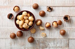 Macadamia nuts, whole and peeled