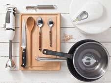 Kitchen utensils for making fish skewers