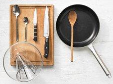 Kitchen utensils for making paella