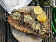 Grilled salmon with mint pesto