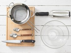 Kitchen utensils for making roast beef rolls