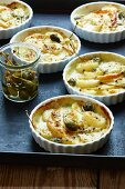 Apple and onion gratin with giant capers