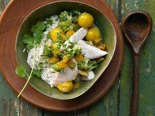 Grünes Fisch-Curry mit Tilapia, Romanesco und Tomaten