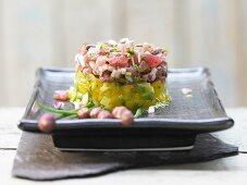 Tuna tartare with coriander and a mango salad