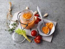 Red vegetable pesto (vegan)