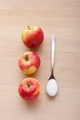 Ingredients for apple compote