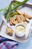 Vegan remoulade with oven roasted potatoes