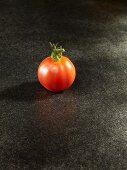 Eine Tomate der Sorte King of Kings