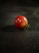 Eine Tomate der Sorte Kozuan