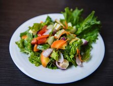 Salad leaves with vegetables