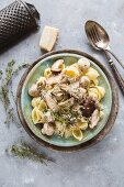 Conchiglie with mushrooms and thyme