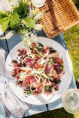 Summery tuna salad with algae, daikon and cucumber