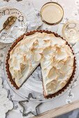 Cranberry meringue pie (Christmas)