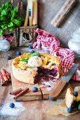 Beerenkuchen mit Teiggitter