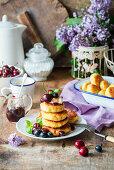 Cream cheese pancakes with cherries