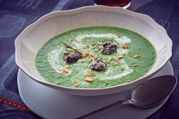 Cress soup with snails