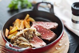 Onion roast beef with chips