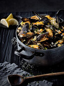 Mussels in a white wine and vegetables broth