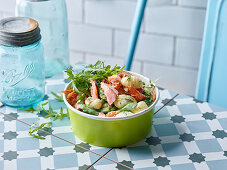 Gnocchi and salmon salad with green asparagus to take away