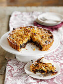 A mincemeat crumble tart with pears