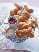 Brioche rolls with raspberry jam