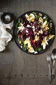 Rote Bete-Birnen-Salat mit Honig Walnuß Dressing