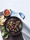 Garlic mussels with tomato Vinaigrette