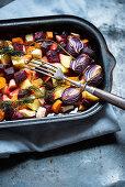 Colourful, winter, oven-roasted vegetables (vegan)