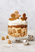 Gingerbread trifle with spiced caramel sauce