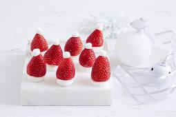 Nikolausmützen-Erdbeeren zu Weihnachten