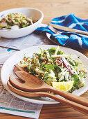 Salat mit geräucherter Forelle