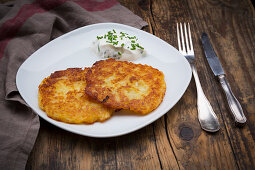Potato fritter with chive quark