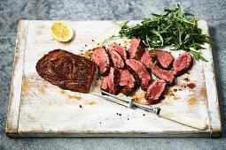 Gegrillte Skirt Steaks mit Rucola