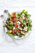 Caprese salad with lemon and caper grilled chicken (Low Carb)