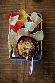 hili with corn chips (USA)